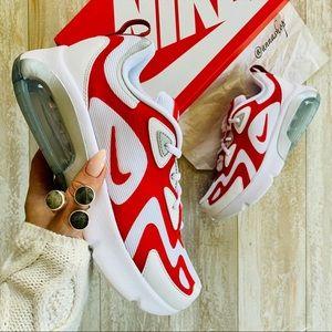 NWT Nike Air Max 200